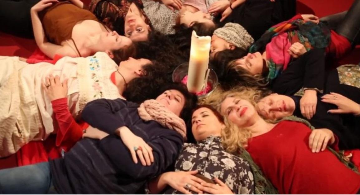 Mulleres en Círculo